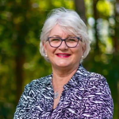 Lesley Rowan